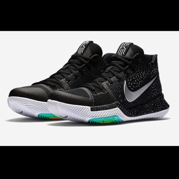 brand new f8cf4 9d93f NWOB Nike Kyrie 3 Size 12 Mens NWT
